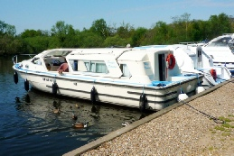 Pacific Diamond moored at Womack Staithe